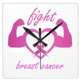 Biegen der Arme, um Brustkrebs zu kämpfen Quadratische Wanduhr