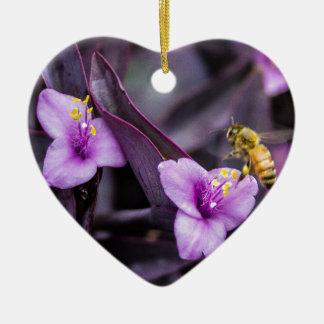 Biene auf Blume Keramik Herz-Ornament