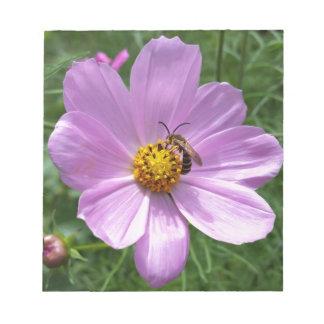 Biene auf Blume Notizblock