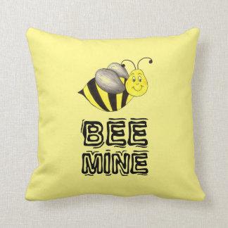 Biene ist Liebe-Honig-Hummel Bergwerkvalentines Kissen
