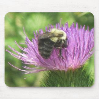 Biene und Distel Mousepad