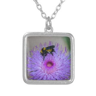 Bienen-bestäubenWildblumen Versilberte Kette