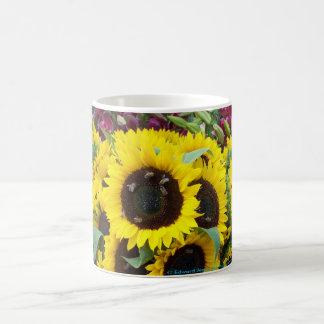 Bienen-Tanz an einem Sonnenblume-Tag Kaffeetasse