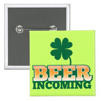 BIER ANKOMMENDER Entwurf St. Patricks Tagesfür das Quadratischer Button 5,1 Cm