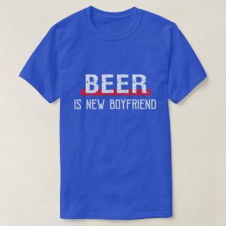 Bier ist neuer Freund-lustiger Valentinstag T-Shirt