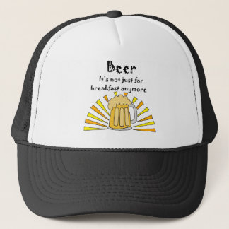 Bier-Trinker-Tasse und Sonnenaufgang Truckerkappe