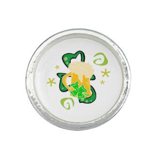 Bier und irisches Kleeblatt Ring