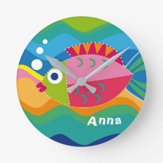 Big fish, personalisierbar round (medium) clock