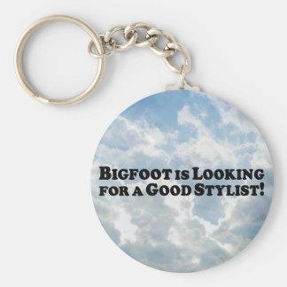 Bigfoot, der nach gutem Stylisten sucht Schlüsselbänder
