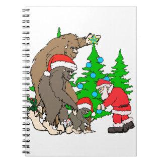 Bigfoot-Familie und Sankt Spiral Notizblock