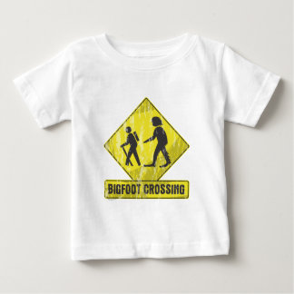 Bigfoot-Überfahrt Baby T-shirt