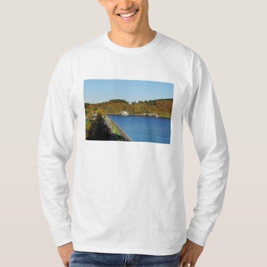 Biggetalsperre im Herbst T-Shirt