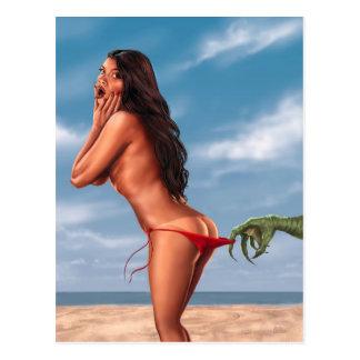 Bikini-Mädchen und Seeungeheuer Postkarte