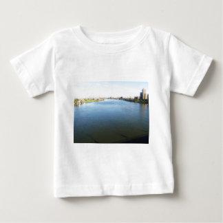Bild vom Nil in Kairo, Ägypten Baby T-shirt