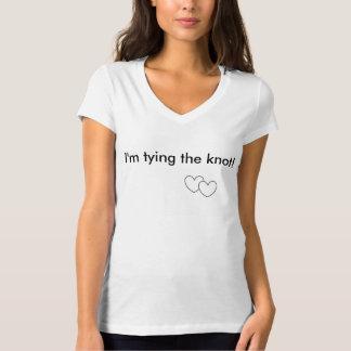 Bindung des Knoten V-Hals Shirts