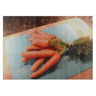 Bio Karotten Schneidebrett