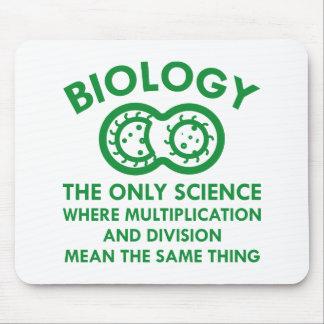 Biologie ist in meinen Genen Mousepad