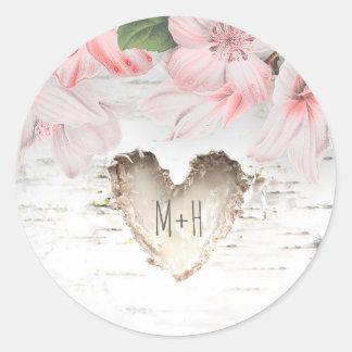 Birken-Barken-Herz und rosa Blumen-rustikale Runder Aufkleber