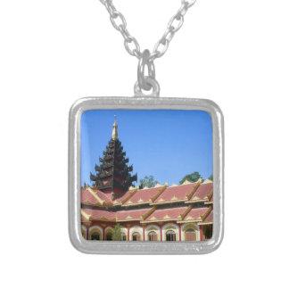 Birmanisches buddhistischer Tempel Phra Jow La Versilberte Kette
