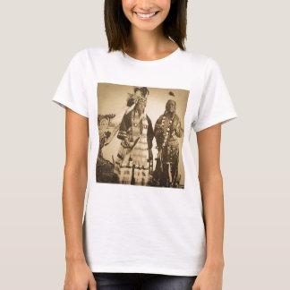 Blackfoot amerikanischer Ureinwohner Leiter und T-Shirt