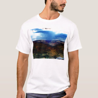 Blacklight Grand Canyon und fallender Regen durch T-Shirt