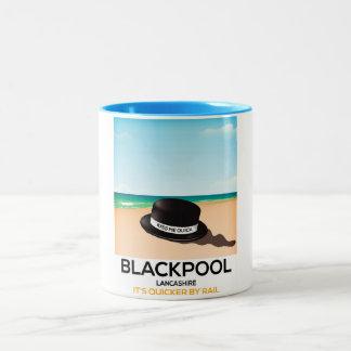 """Blackpool """"küssen mich schnell"""" Hutreise-Zugplakat Zweifarbige Tasse"""