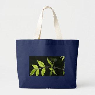 Blätter mit Wasser lässt riesige Taschentasche Jumbo Stoffbeutel