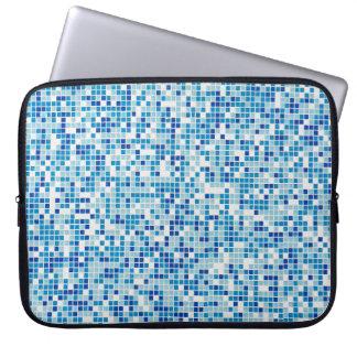 Blau deckt Hintergrund mit Ziegeln Laptopschutzhülle