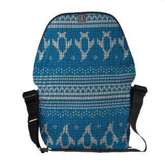 Blau gestrickter Hintergrund Kurier Tasche