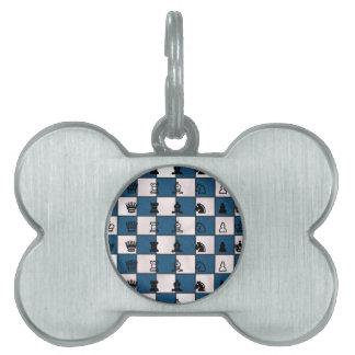 Blau u. Weiß gemarmortes Schach-Brett u. Stücke Tiermarke