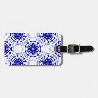 Blau und während Blumenmuster Gepäckanhänger