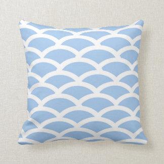 Blau-und Weiß-Kamm-Muschel-Muster-Kissen