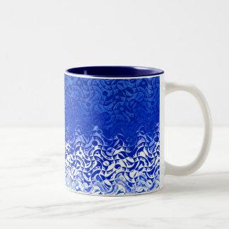 Blau und weiß zweifarbige tasse