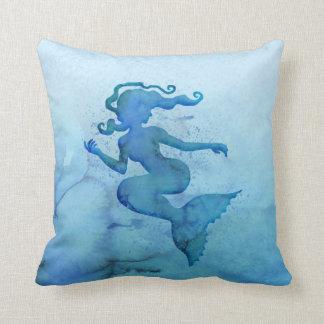 Blaue Aquarell-Meerjungfrau Zierkissen