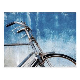 Blaue Fahrrad-Postkarte