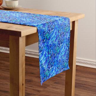 Blaue Flammen-Hintergrund Kurzer Tischläufer
