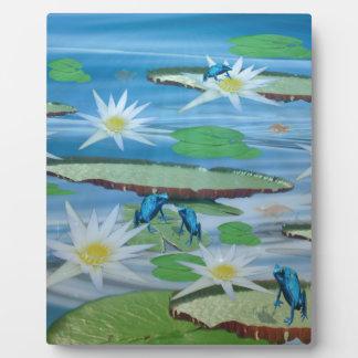 Blaue Frösche auf Lilien-Auflagen, Fotoplatte