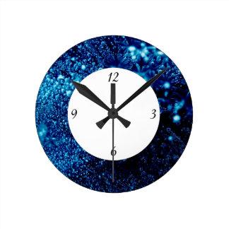 Blaue Glitzern gefrorene Eisblasen mit Zahlen Runde Wanduhr