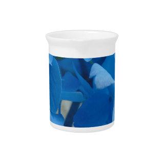 Blaue Hydrangeas Getränke Pitcher