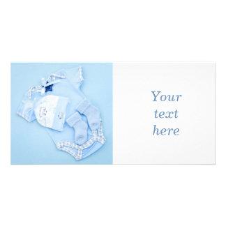 Blaue Kleidung für Jungen-Babyparty Fotokartenvorlage