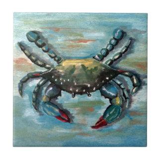 Blaue Krabbe auf Blau Fliese