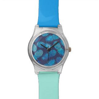 Blaue Krawatten-Ananas Uhr