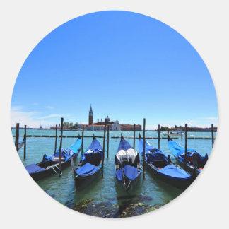 Blaue Lagune in Venedig, Italien Runder Aufkleber
