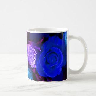 Blaue lila Tasse der Rosen-I - kundengerecht