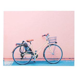 Blaue rosa Fahrrad-Korb-Fahrrad-Räder Notizblock