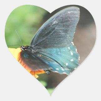Blaue Schmetterlings-Gelbcoreopsis-Sommer-Produkte Herz-Aufkleber