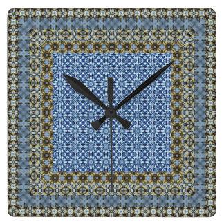 Blaue Tlied ethnische Motive Quadratische Wanduhr