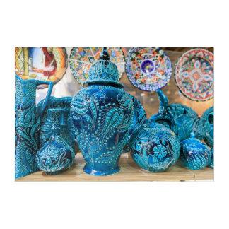 Blaue Tonwaren am Markt Acryl Wandkunst