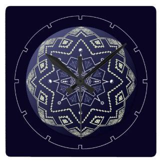 Blaue und weiße Bereich-Mandala-Wanduhr Quadratische Wanduhr