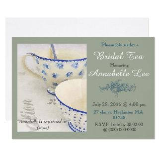 Blaue und weiße Brauttee-Einladung Karte